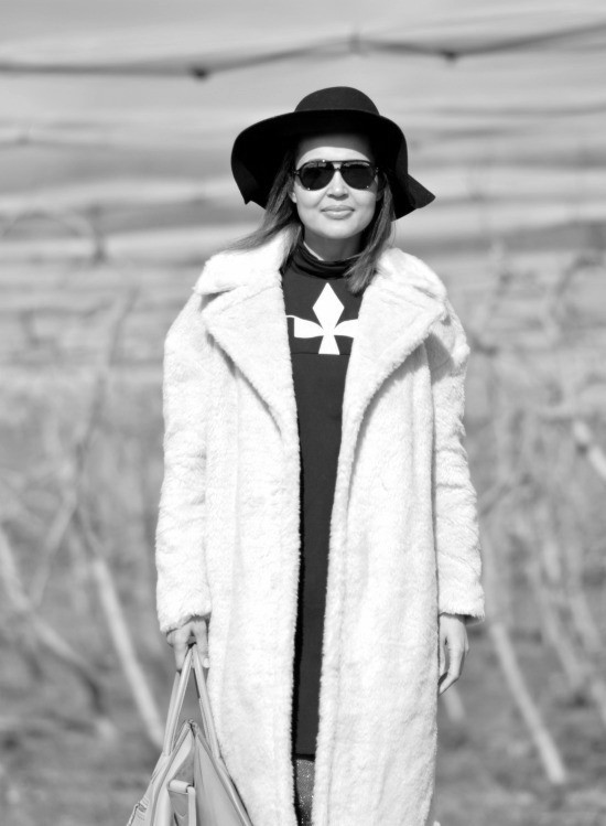 b_w faux fur coat