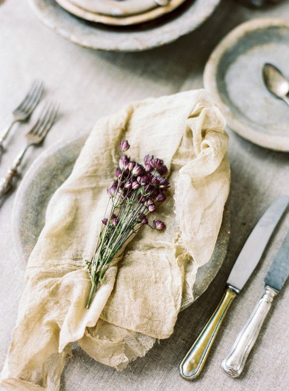 Napkin folding ideas/ Currently Wearing