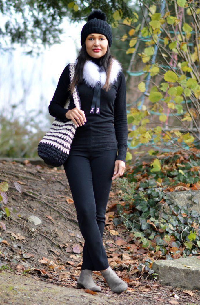colombian-mochila/tallis-white-fur-scarf