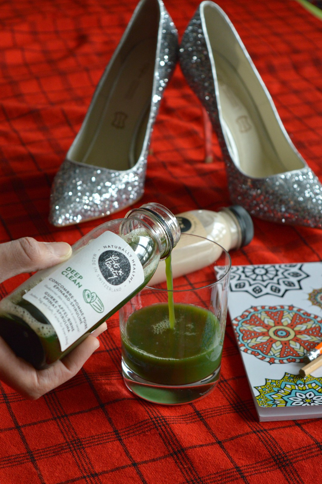 green juice/ cold pressed juice