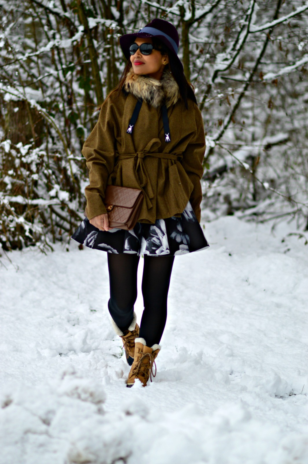 Couture hat/ vanja jocic/ currently wearing / sorel boots / snowboots