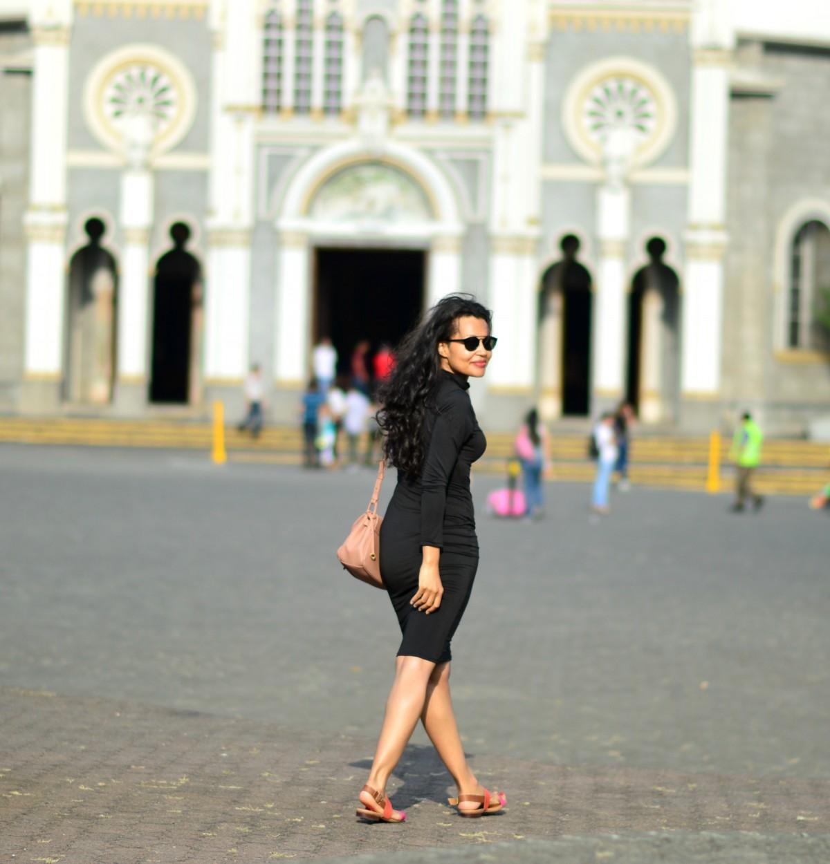 currently wearing_swiss blog/TheKewlShop Figure HUgging Pencil Dress/ Footway/Slip-on sandals