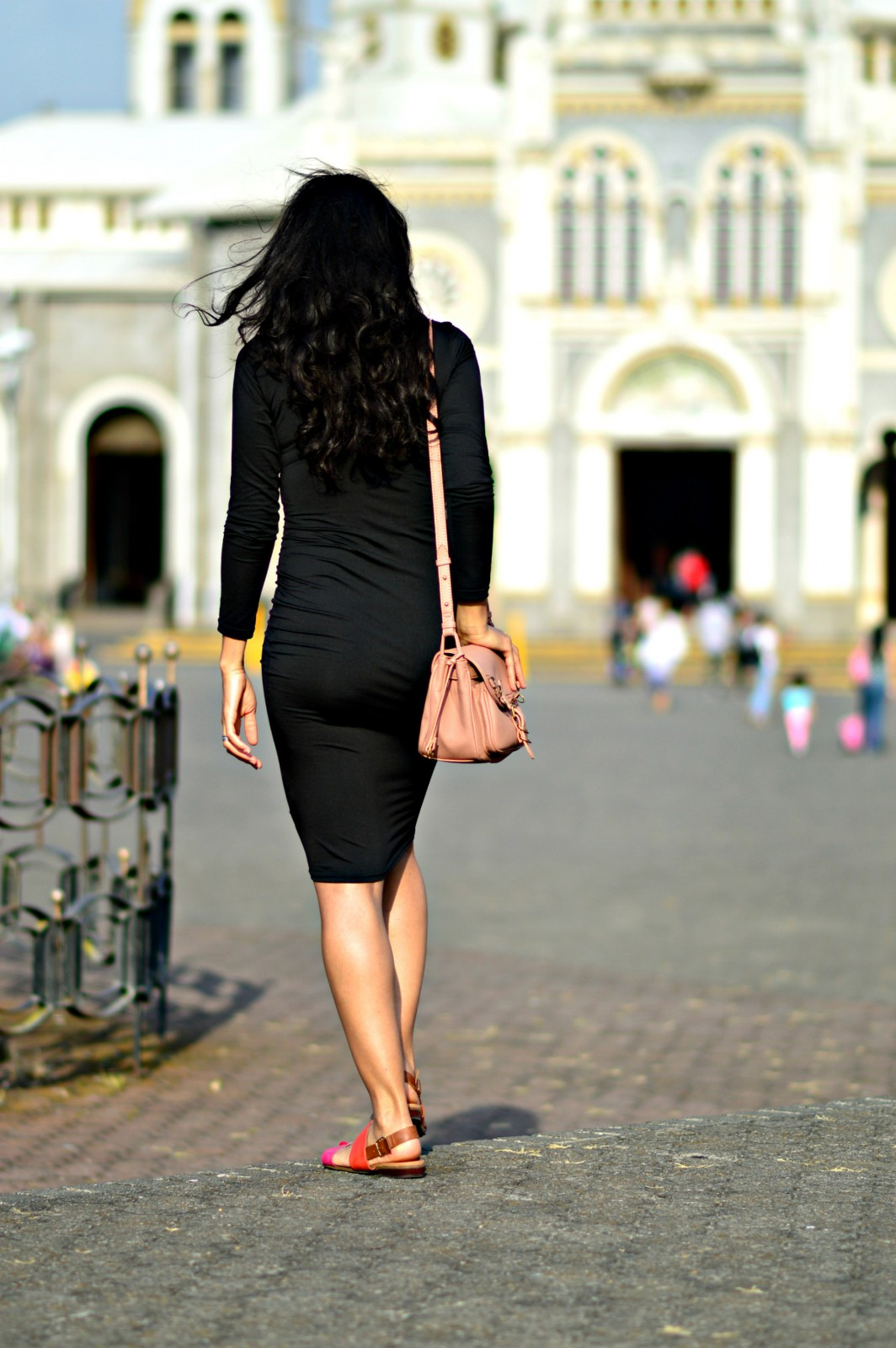 currently wearing_swiss blog/Pencil Dress/ Footway/Slip-on sandals