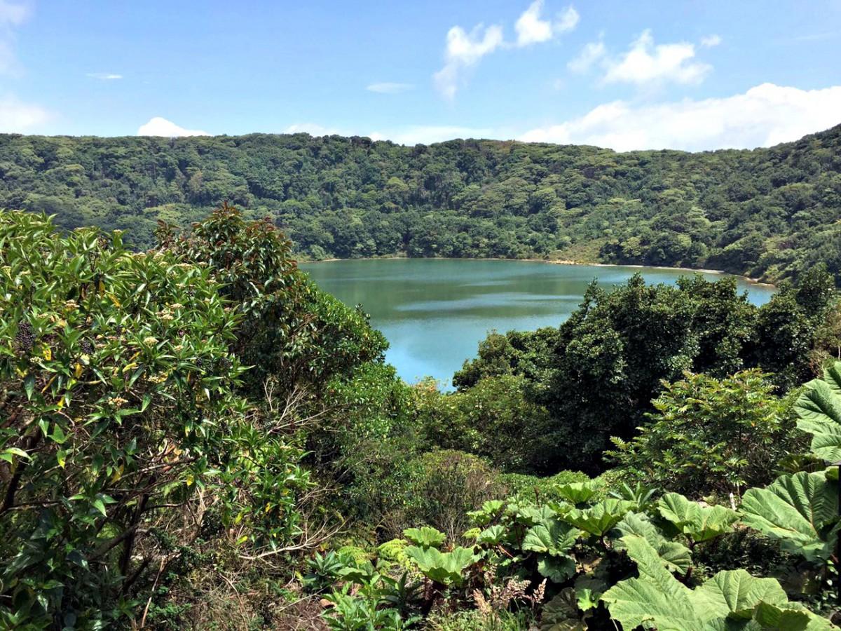 Poás volcano lagoon nation park/costa rica