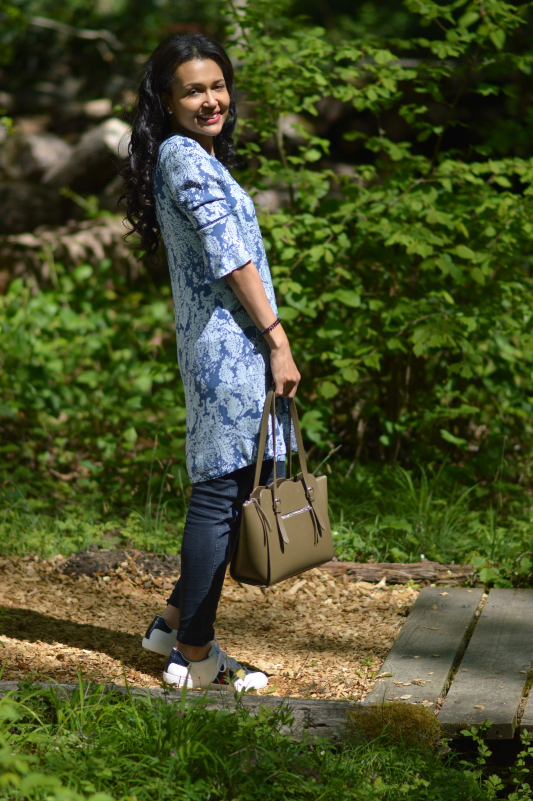 tote bag/Noleti/currently wearing