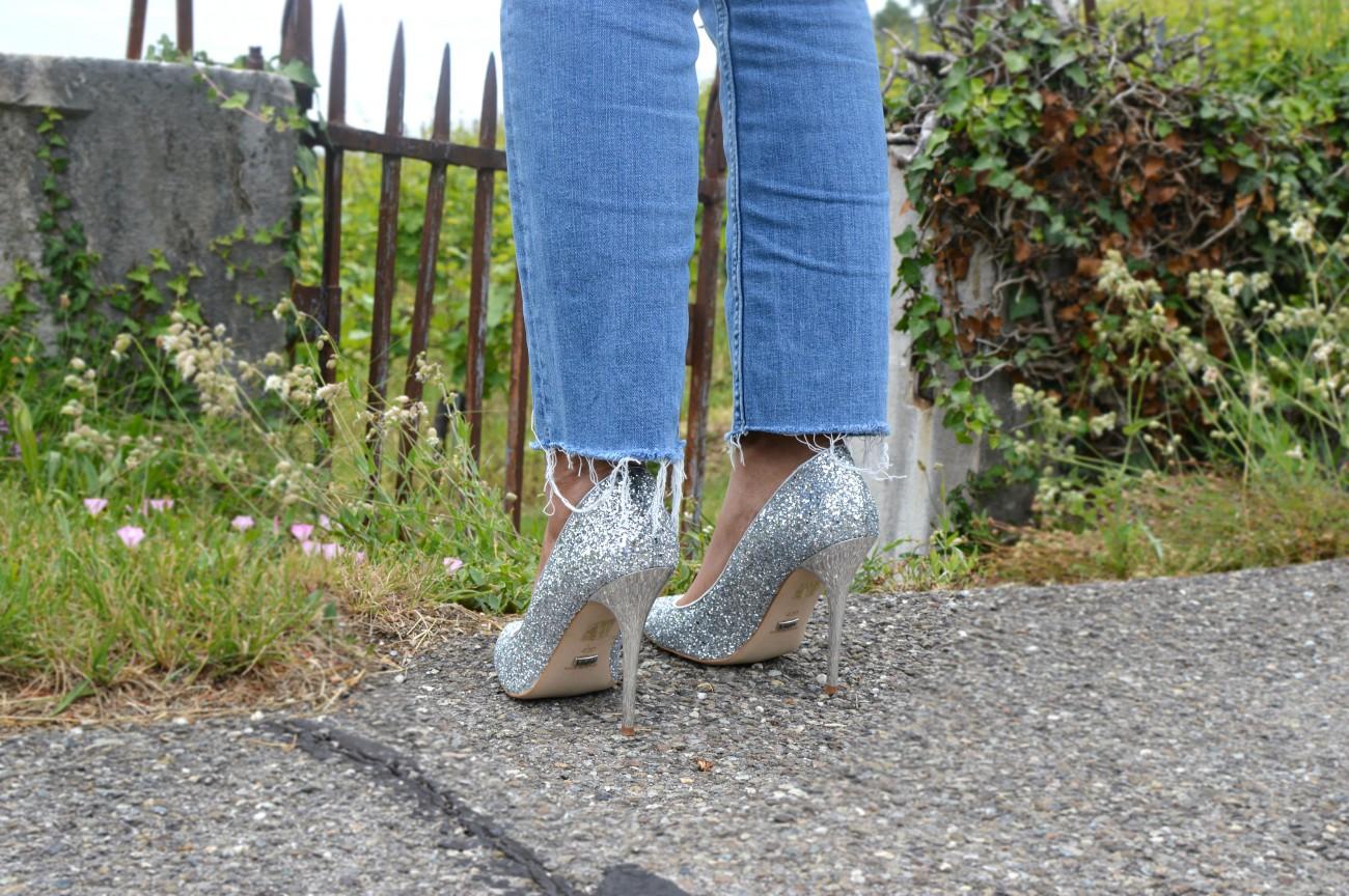 silver heels/ distressed hem jeans