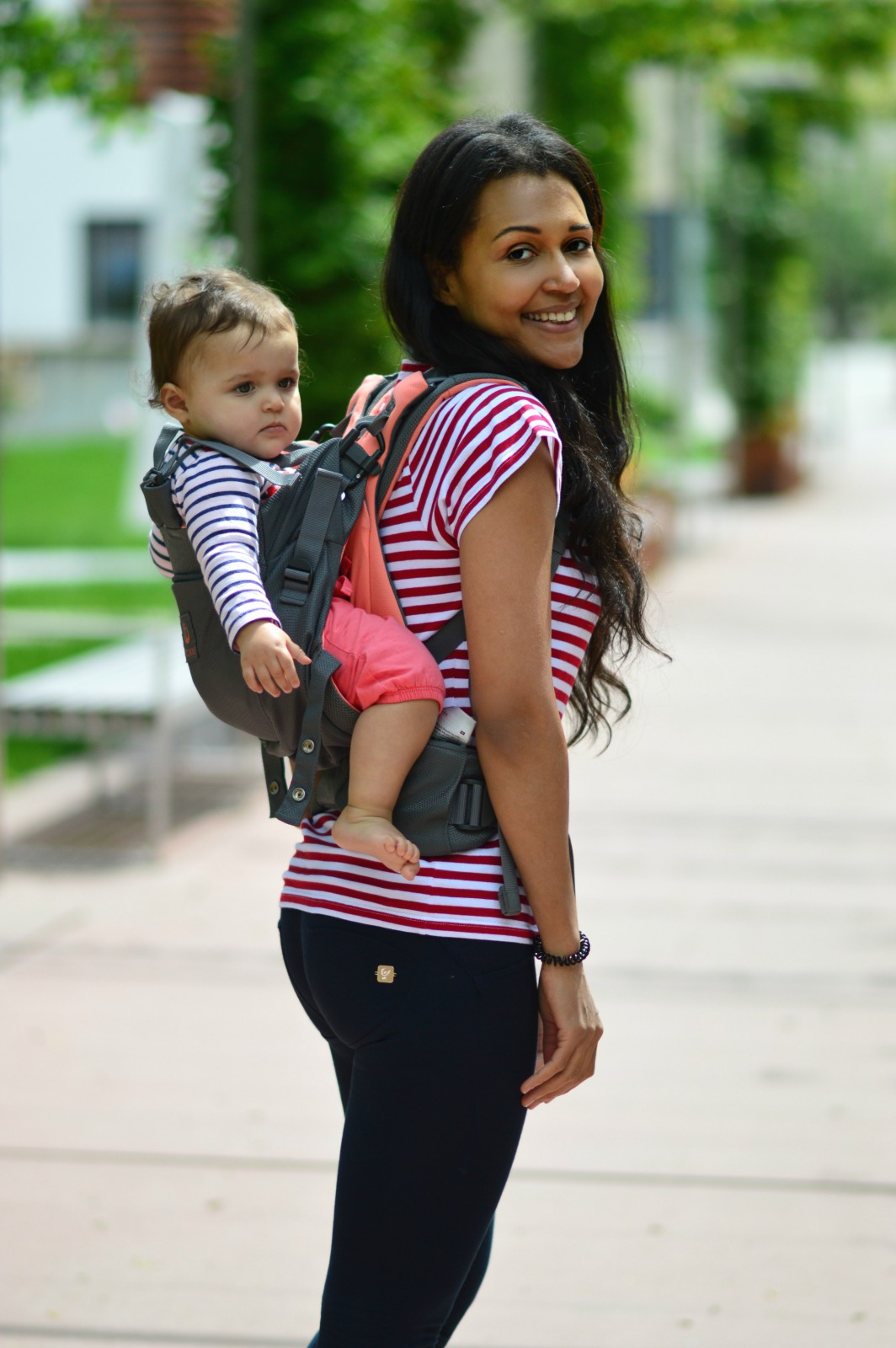 Stokke Baby Carrier/ currently wearing/ blog mode suisse/blog suisse