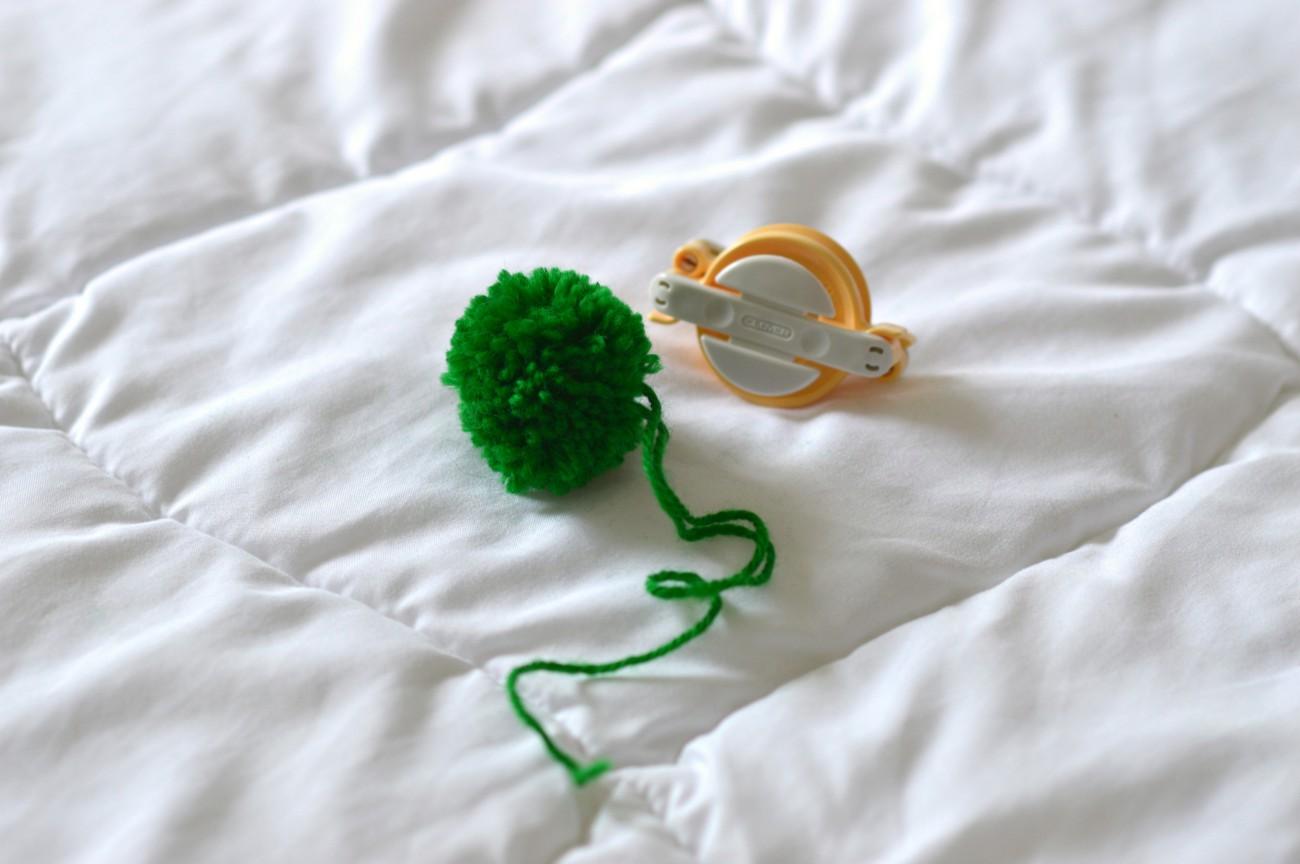 pompoms/geneva blog/DIY/currently wearing