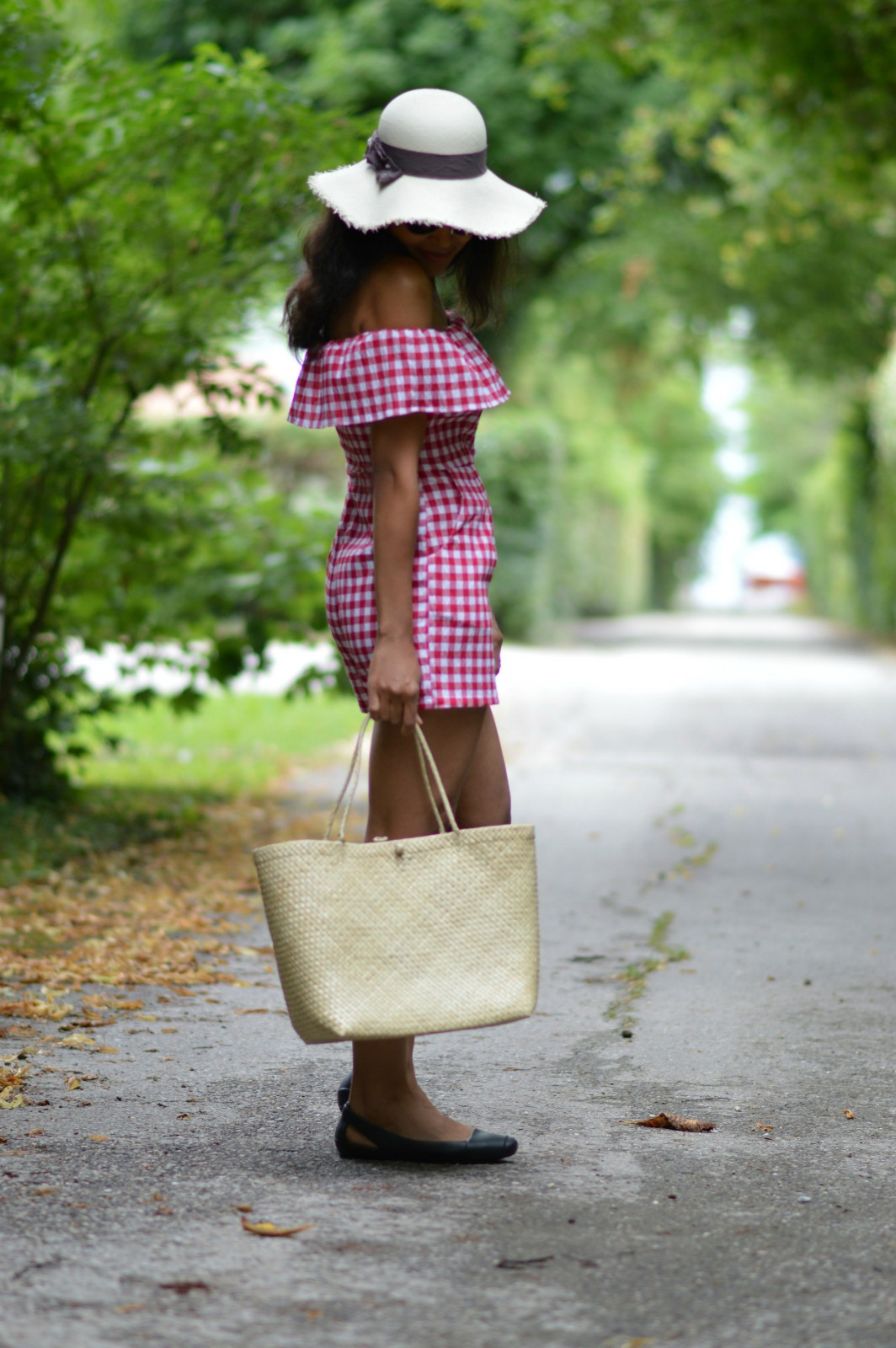 A sentence a day/ gingham romper/currently wearing/swiss blog/ lifestyle blog switzerland