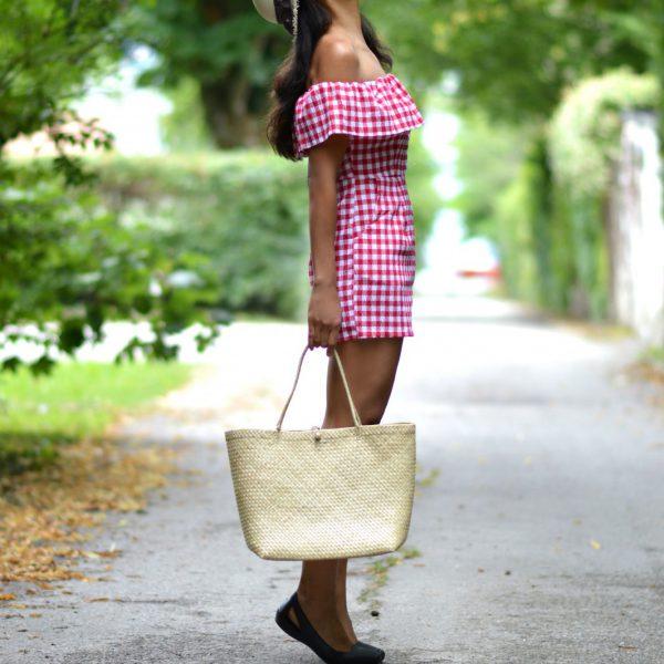 gingham romper/currently wearing/swiss blog/ lifestyle blog Switzerland