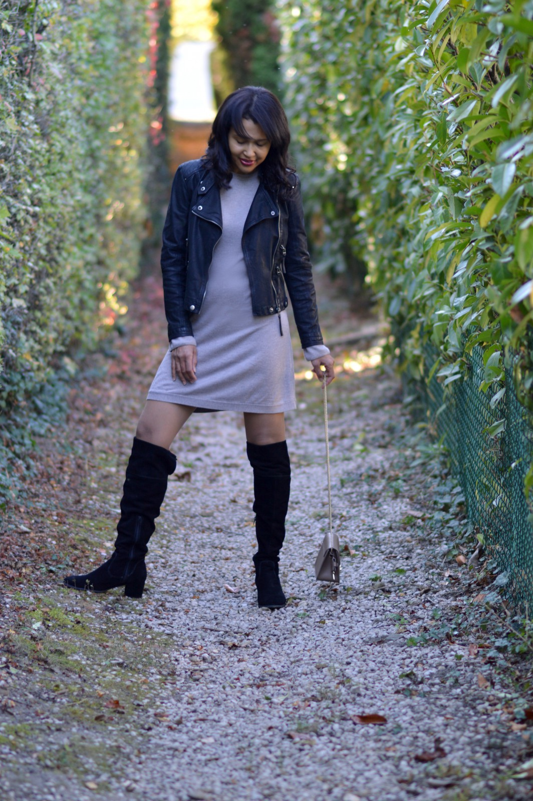 sweater dress/black over-the-knee boots/swiss fashion blog