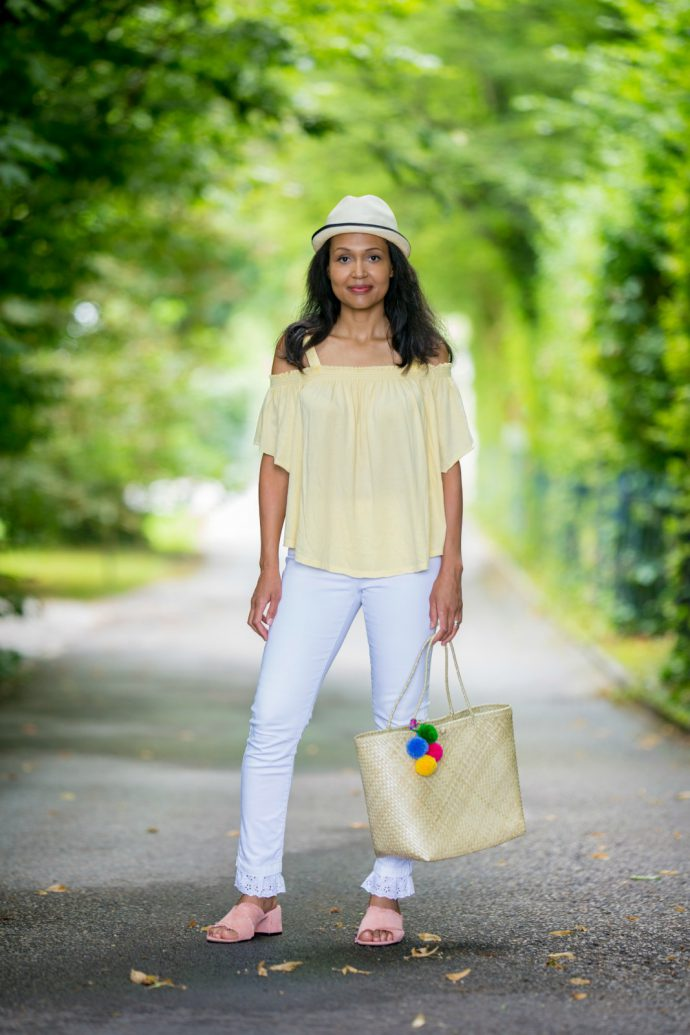 pompom handbag_currently wearing_swiss fashion blog