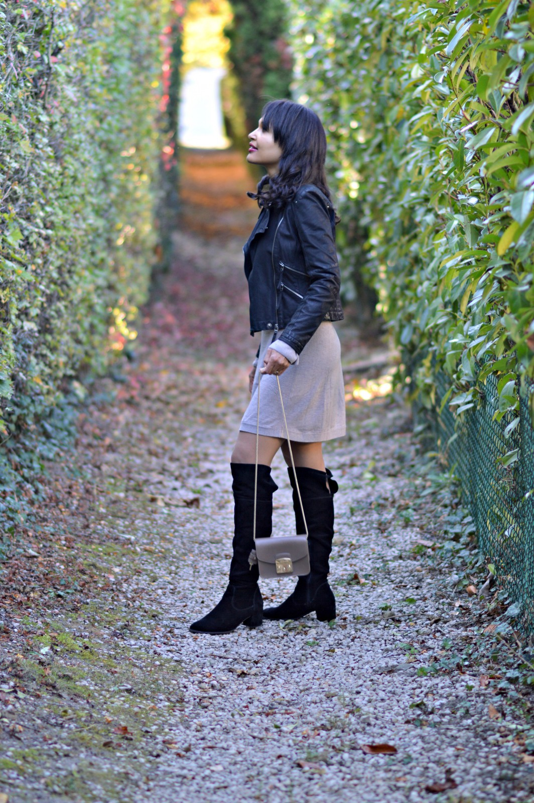 sweater dress/black over-the-knee boots