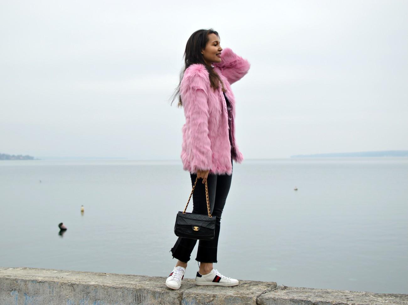 pink faux fur coat/ swiss fashion blog/currently wearing