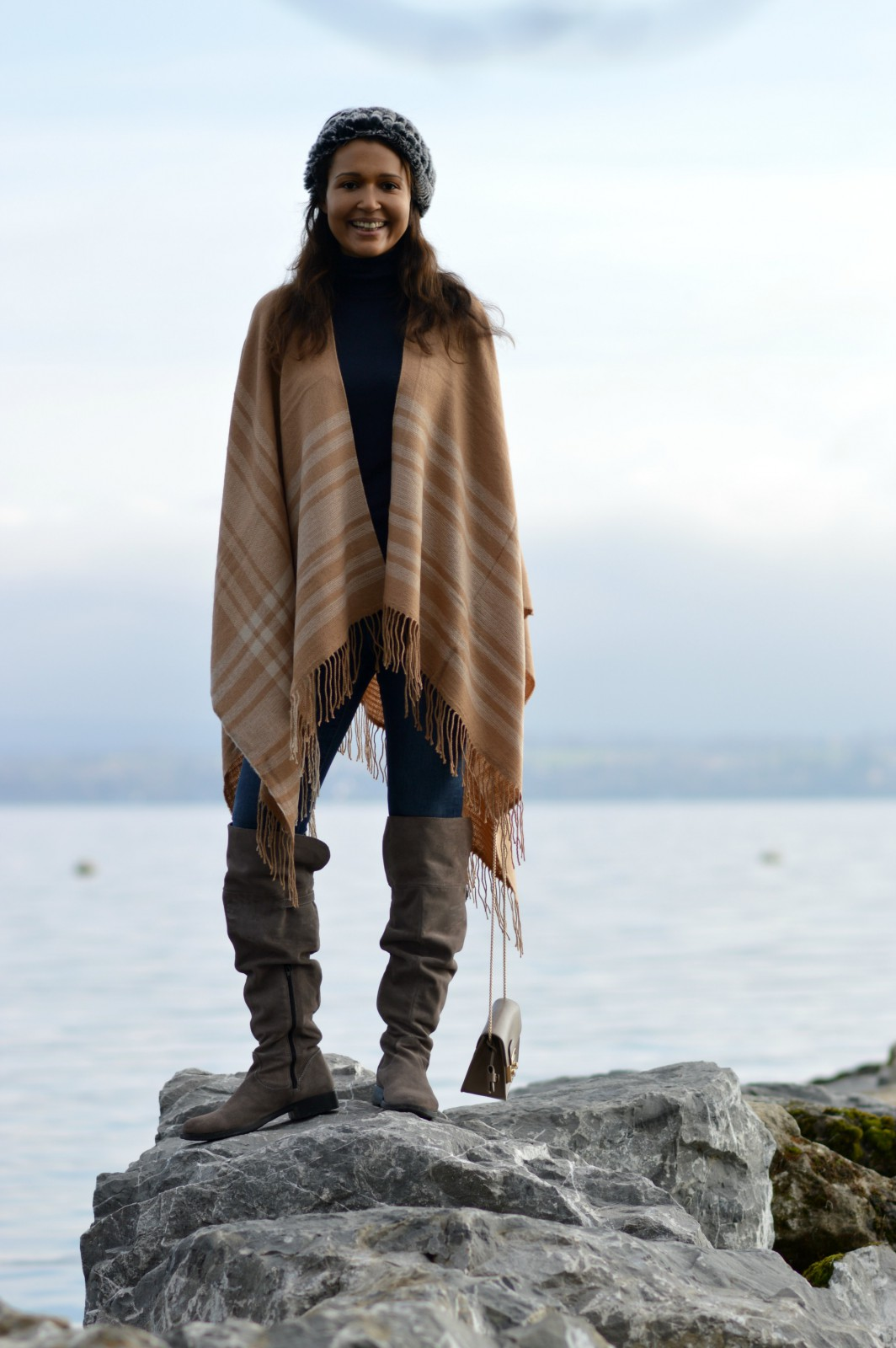 credibilit/Brown Poncho/over the knee boots 3