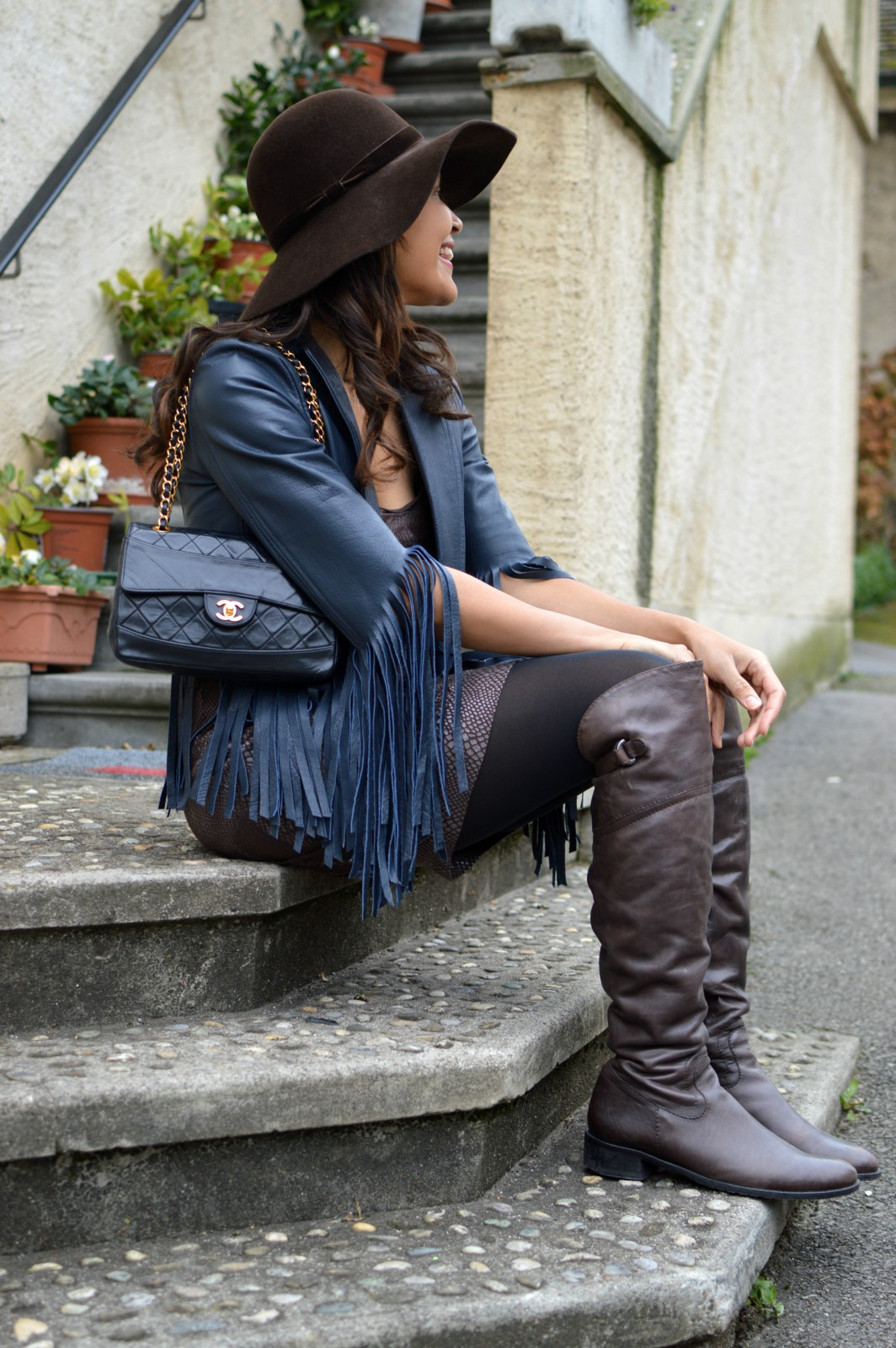 currently wearing_swiss fashion blog_fringe leather jacket
