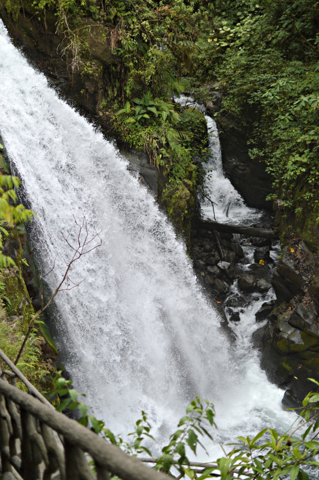 La Paz Waterfall, Costa Rica, currently wearing, swiss blog