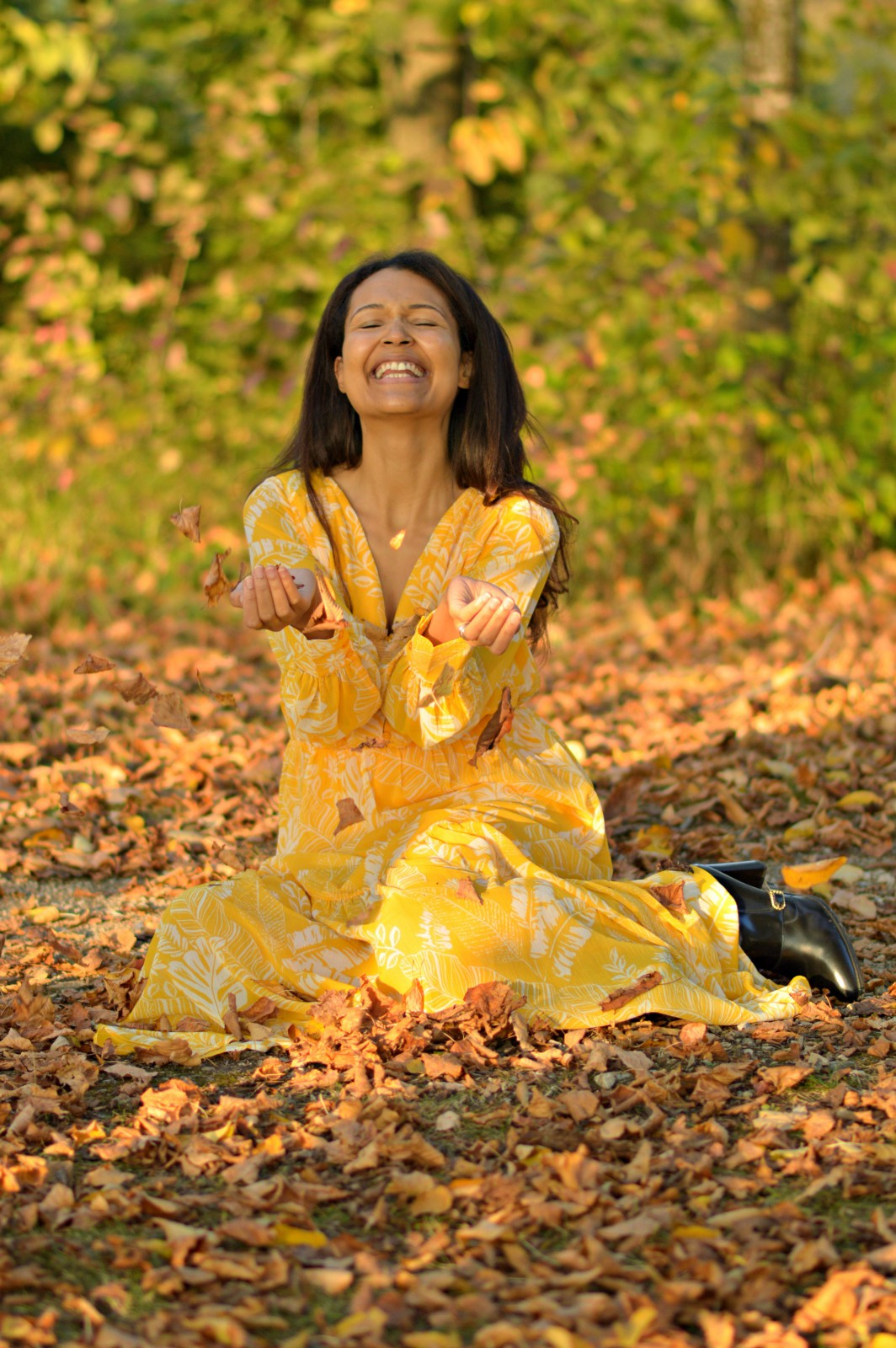life is what happens/bright yellow dress/ fall fashion/ fall style/ currently wearing/swiss blog