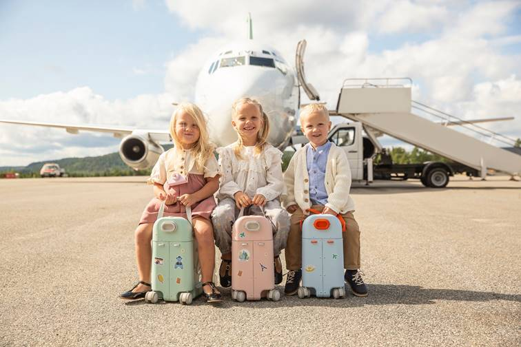 JetKids by Stokke_traveling_currently wearing swiss blog