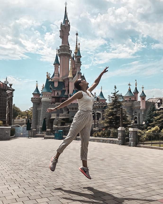 Disneyland Paris, Sleeping Beauty Castle, Swiss Blogger, Swiss YouTuber, currently wearing, miri ramp
