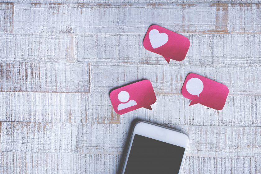 social media addiction_addicted to social media_swiss blog