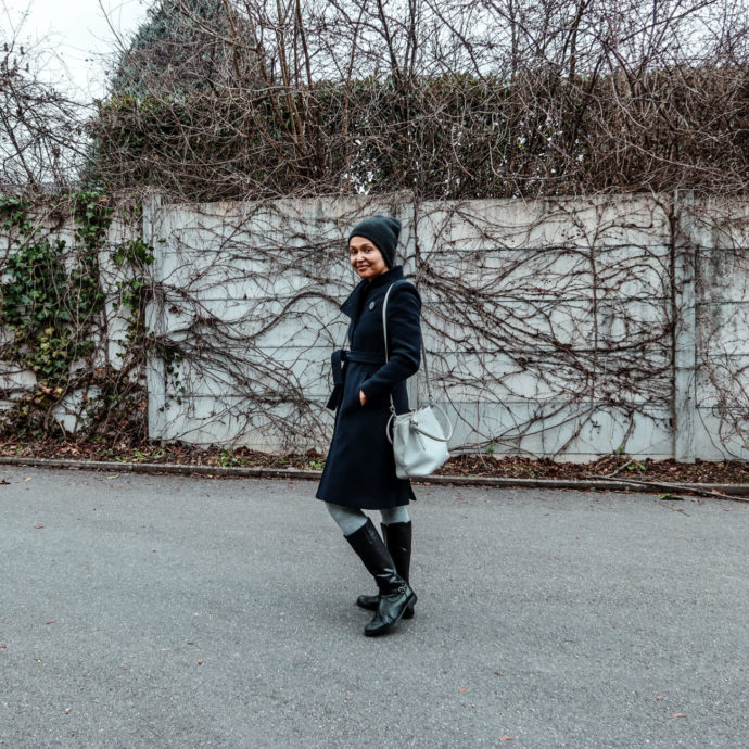 how to keep warm-Sustainable fashion blogger-currently wearing-dark blue wool coat